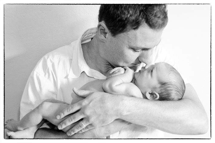 baby-newborn-boy-dad-location-home-pretoria-johannesburg-photographer-georgina-voigt-photography
