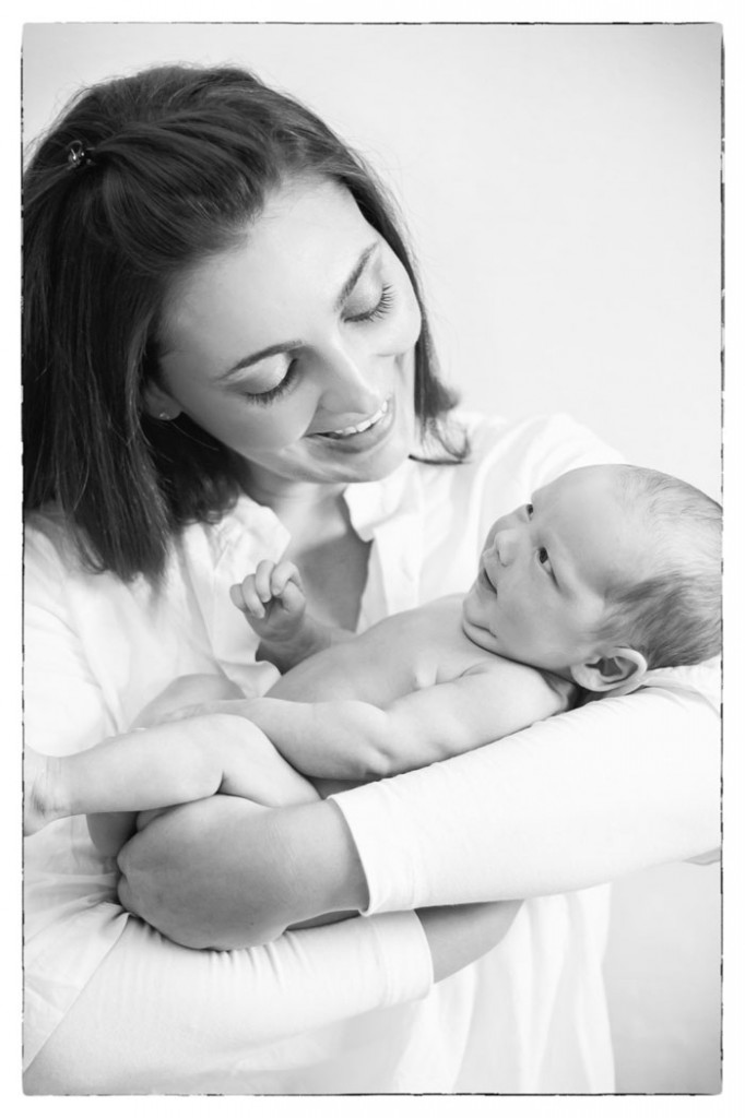 baby-newborn-boy-mom-location-home-pretoria-johannesburg-photographer-georgina-voigt-photography-682x1024.jpg