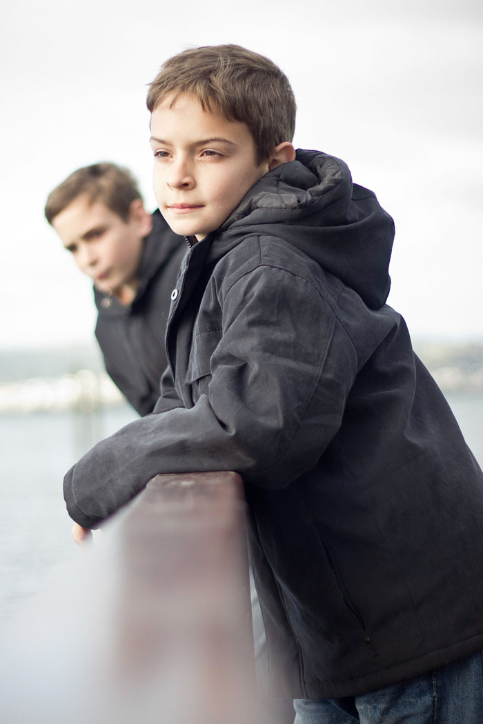 children-boys-brothers-two-jetty-knysna-johannesburg-photographer-georgina-voigt-photography