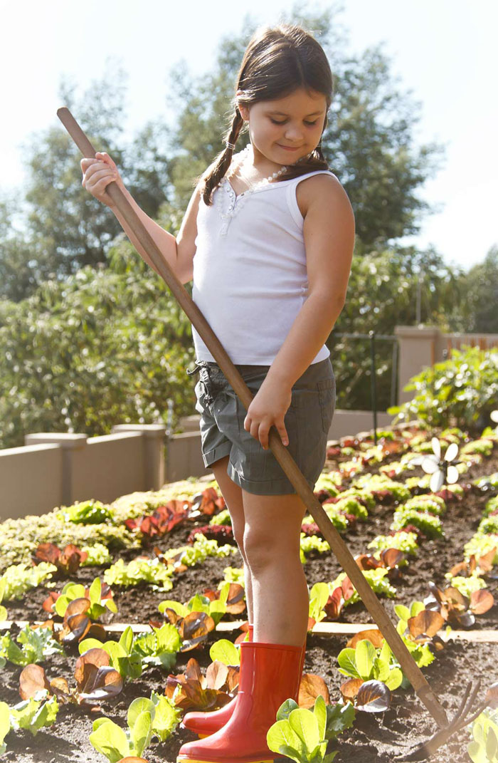 children-girl-vegetable-garden-johannesburg-photographer-georgina-voigt-photography (3)