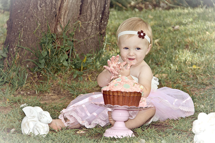 baby-girl-pink-dress-cake-smash-one-randburg-olivedale-johannesburg-photographer-georgina-voigt-photography.jpg