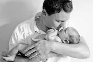newborn-baby-dad-son-pretoria-johannesburg-photographer-georgina-voigt-photography.jpg